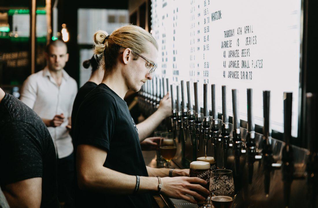 Edinburgh taproom bar 2
