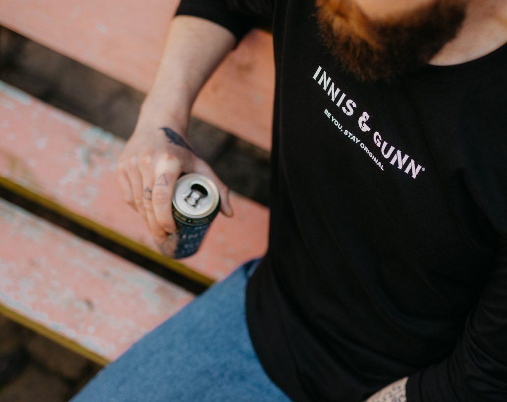 Classic-Sweatshirt-Black-Lifestyle